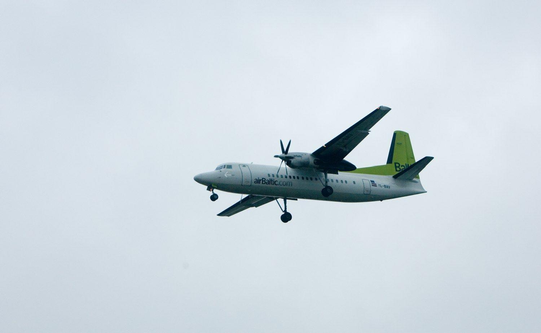 """Atšaukti keli""""airBaltic"""" skrydžiai į ir iš Vilniaus"""
