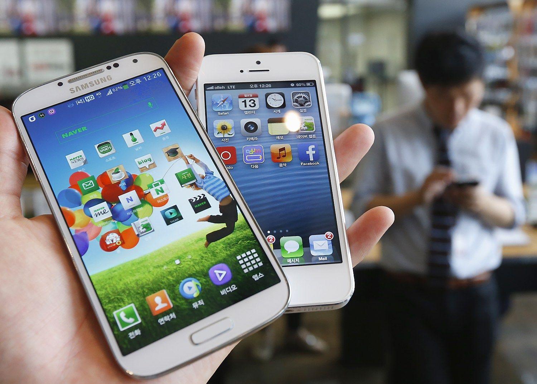 """""""Apple"""" ir """"Samsung"""" patentų kovoje skelbiamas naujas raundas"""
