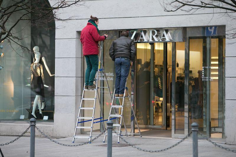 """""""Zara"""" drabužių parduotuvė. Juditos Grigelytės (VŽ) nuotr."""