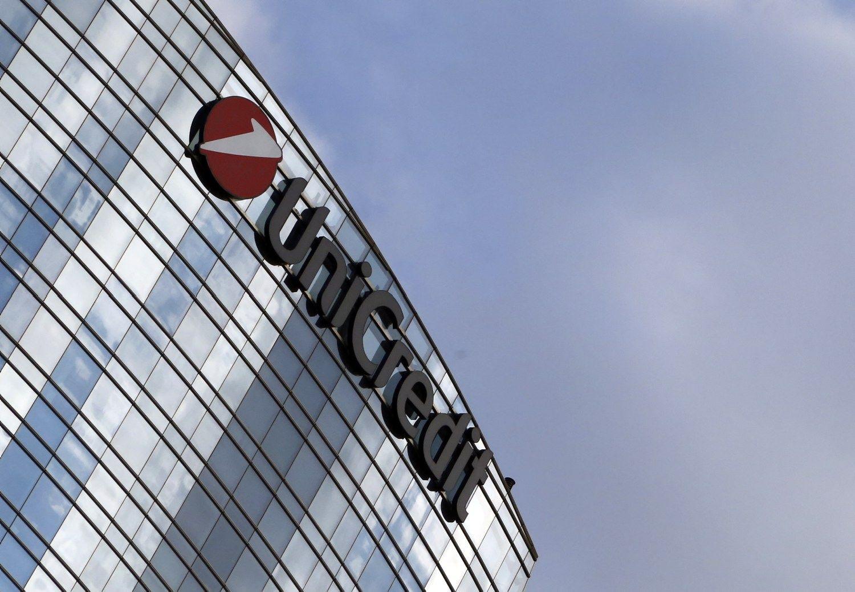"""""""UniCredit"""" meta svorį: už 3,55 mlrd. Eur parduoda turto valdytoją"""