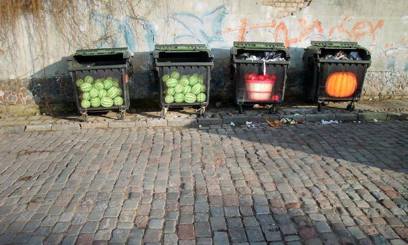 Klaipėdos m. savivaldybė planuoja, kad įgyvendinus projektą stumdomų konteinerių mieste liks labai nedaug – jie bus naudojami tik tose vietose, kur neįmanoma vykdyti kasinėjimo darbų. Algimanto Kalvaičio nuotr.