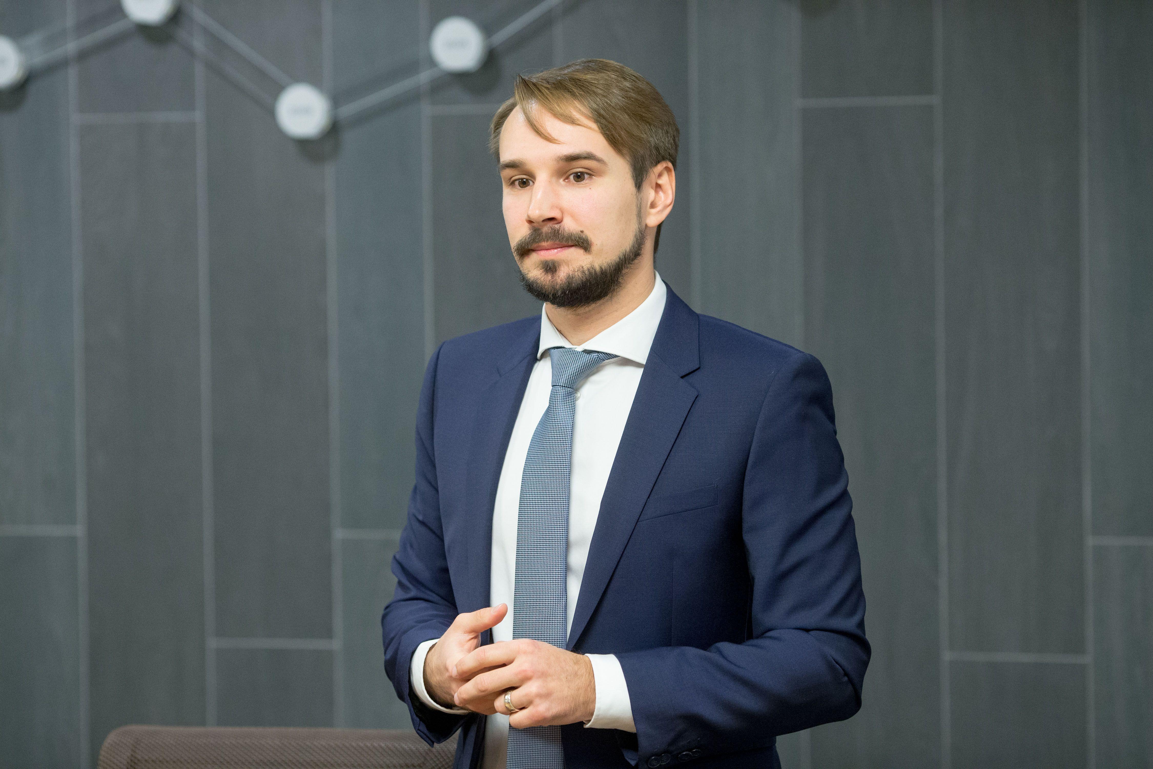 """Analitikas: """"Klaipėdos naftos"""" akcijoms vadovo pasitraukimas neatsilieps"""