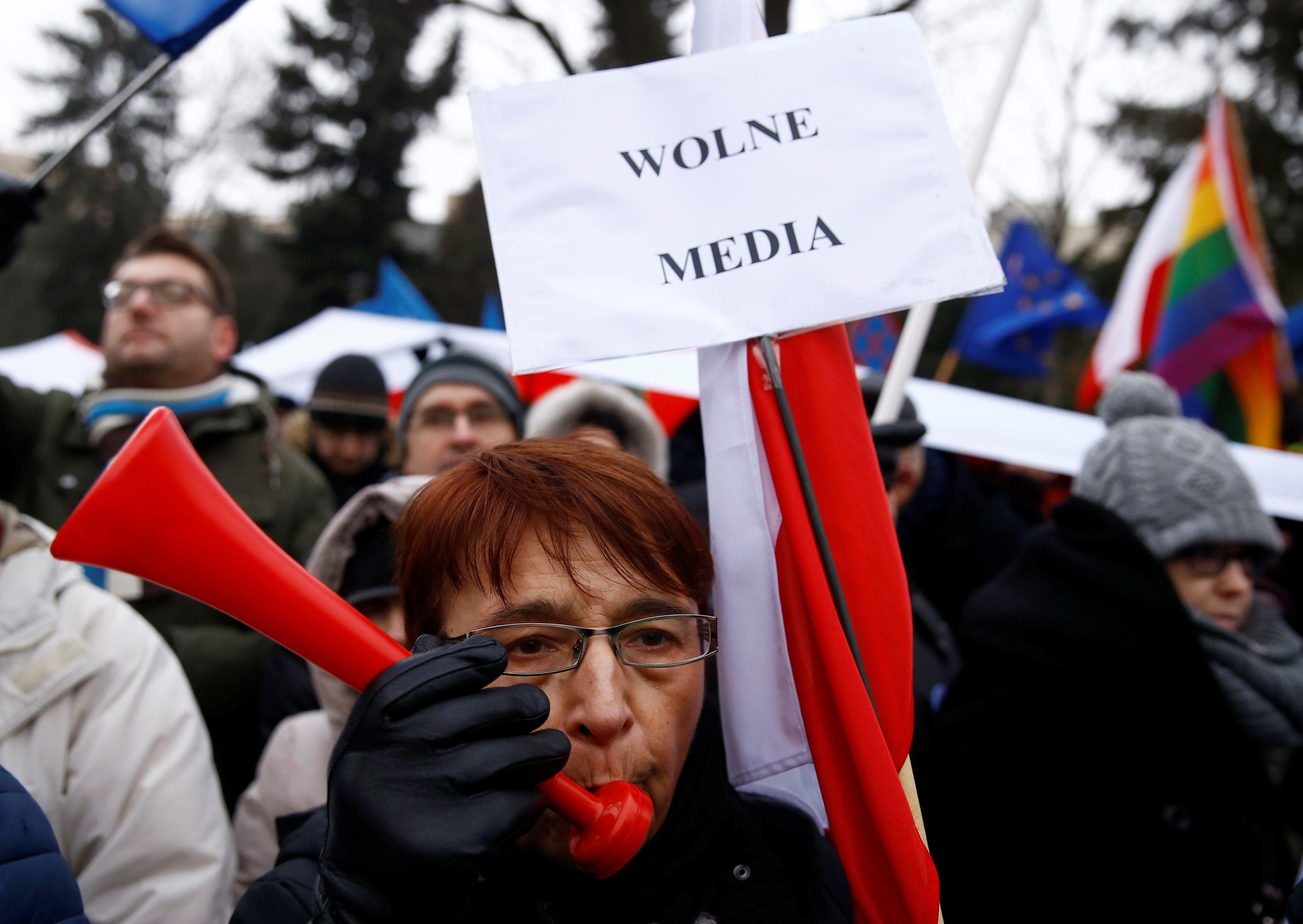 Lenkijos valdantieji klimpsta gilyn į krizę