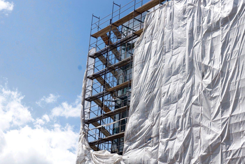 Teismas panaikino Maskvos namų statybos leidimą, tačiau leidžia pasitaisyti