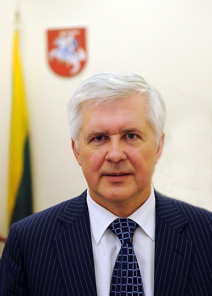 Paskirtas pirmasis krašto apsaugos viceministras