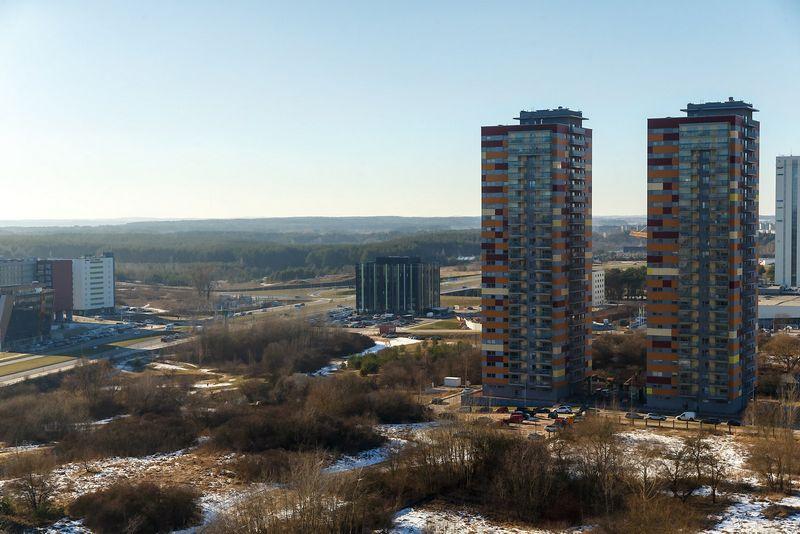 """AB """"YIT Kausta"""" pastatyti 23 aukštų daugiabučiai namai """"Viršuliškių porelė"""". Vladimiro Ivanovo (VŽ) nuotr."""