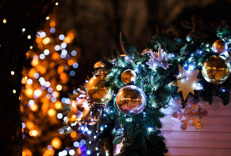Automobilių gamintojų reklamose – Kalėdų seneliai, elniai ir svajonės