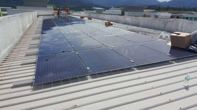 """Saulės jėgainės Malaizijoje įrengimas.  """"BOD Group"""" nuotr."""