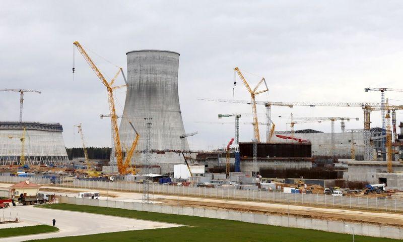 """Branduolinės jėgainės Astrave, Baltarusijoje, statybos. Vasilijaus Fedosenko (""""Reuters"""" / """"Scanpix"""") nuotr."""