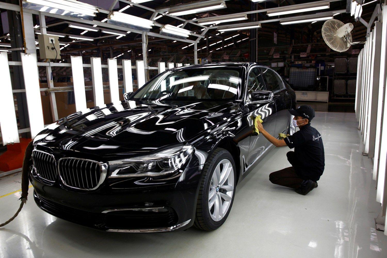 Dėl brokuotų pagalvių BMW Kinijoje atšauks 200.000 automobilių