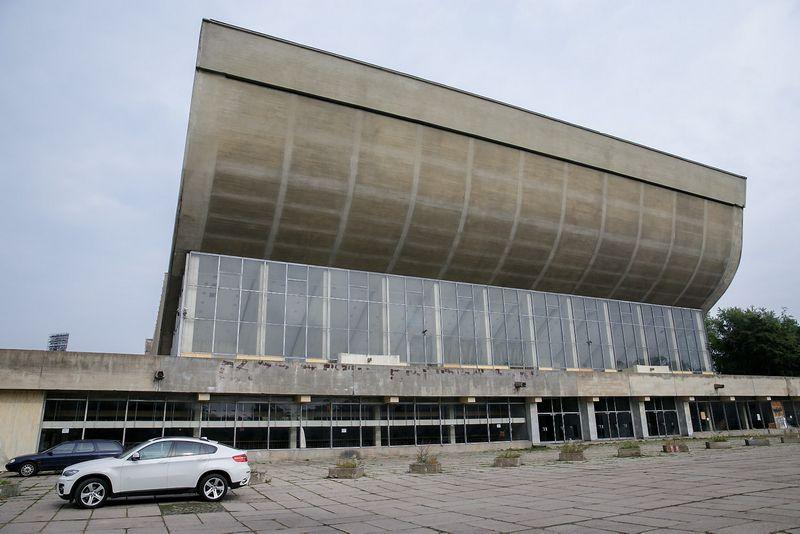 Vilniaus sporto rūmai, suprojektuoti Eduardo Chlomausko bei jo kolegų. Rūmai pastatyti 1971 metais. Vladimiro Ivanovo (VŽ) nuotr.