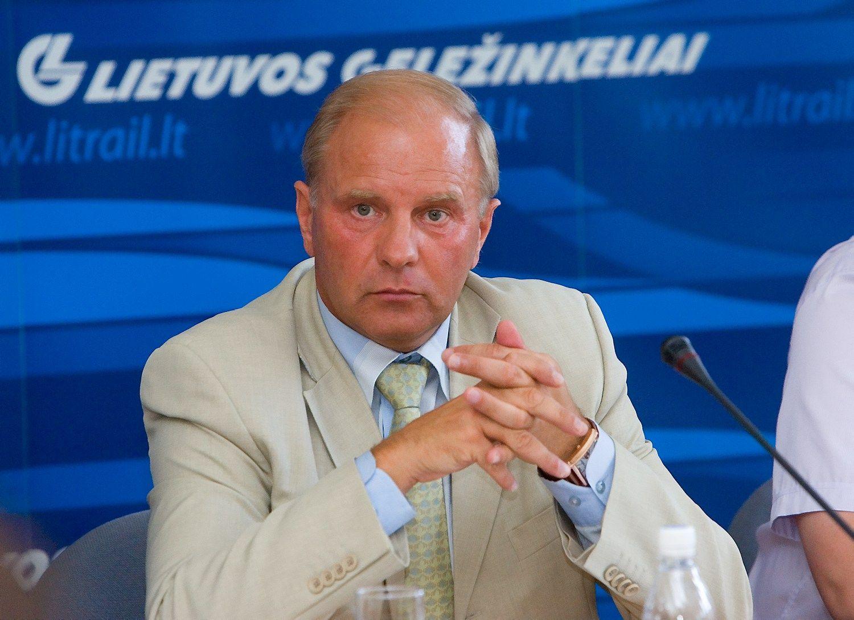 """Tarp """"Lietuvos geležinkelių"""" vadovų neliko Gudvalio"""
