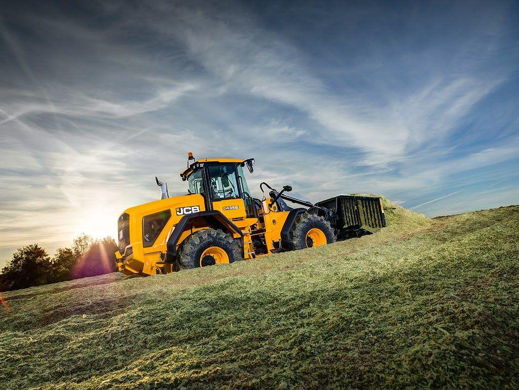 Brangiausi nauji traktoriai ir kombainai