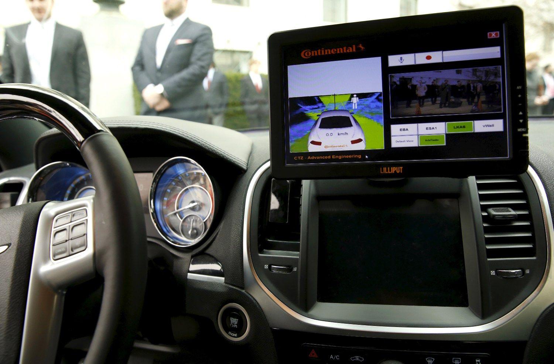 """""""Volvo"""" su partneriais steigia bendrovę savavaldžių """"smegenims"""" kurti"""