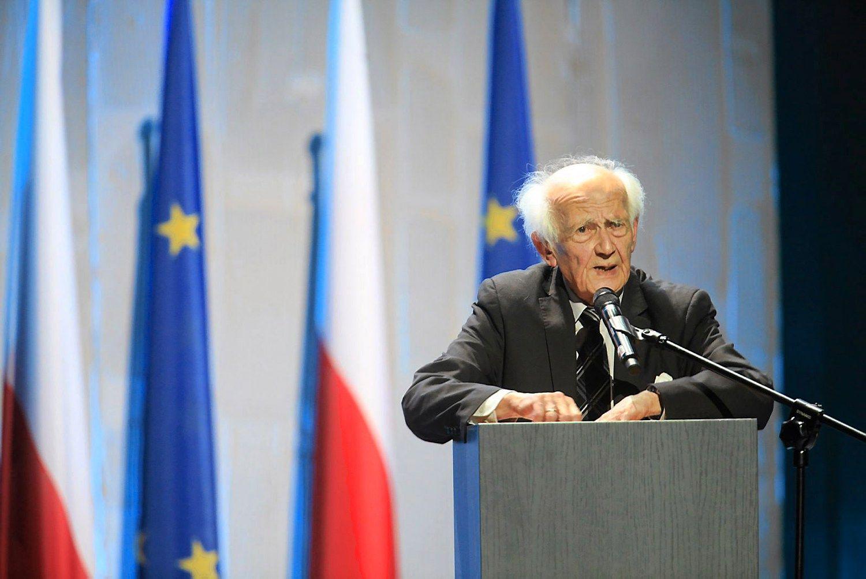 Mirė lenkų sociologas Zygmuntas Baumanas