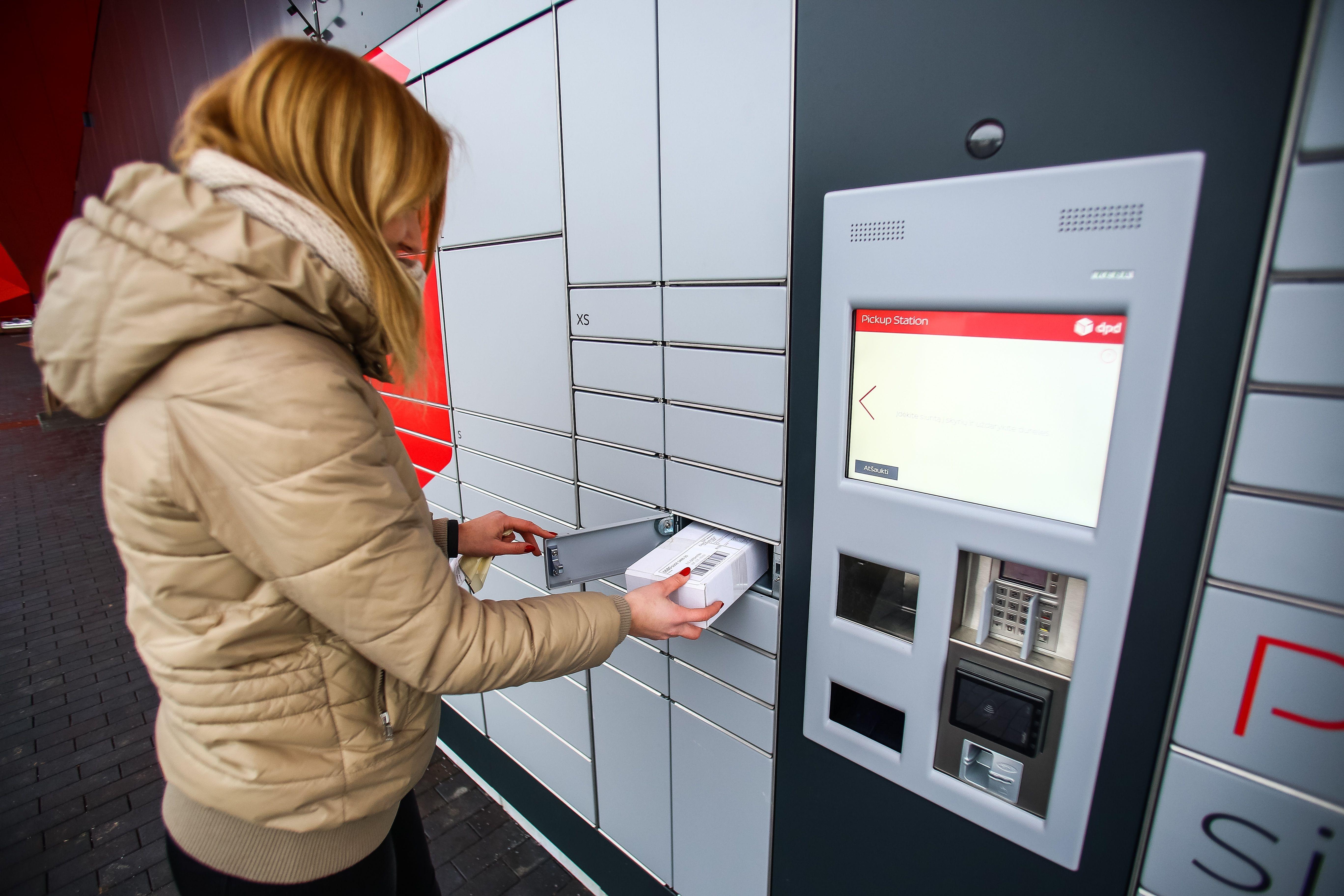 """""""DPD Lietuva"""" siuntų taškų tinklą papildė savitarnos terminalai"""