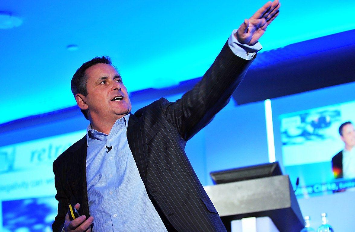 Steve'as Clarke'as, pardavimų ekspertas iš Jungtinės Karalystės.