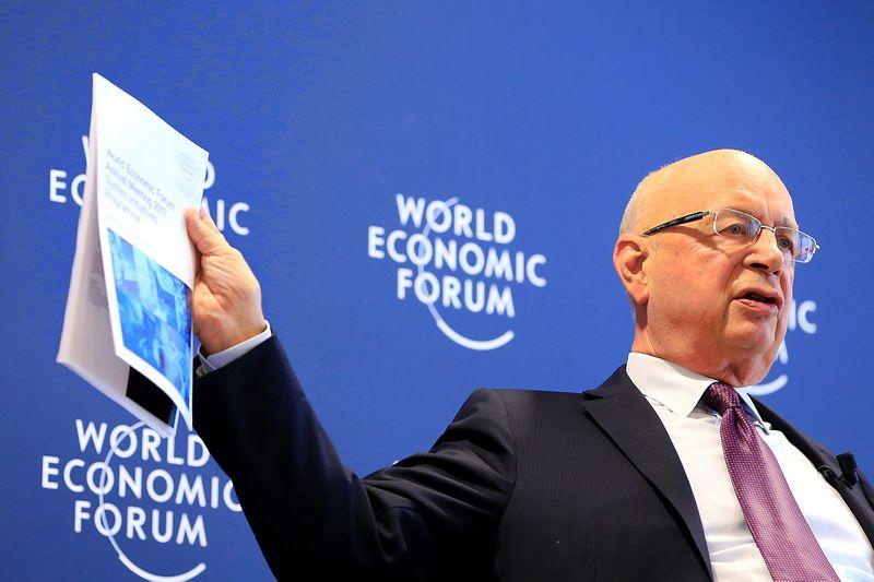 "Pasaulio ekonomikos forumo įkūrėjas Klausas Schwabas. Pierre'o Albouy (""Reuters"" / ""Scanpix"") nuotr."