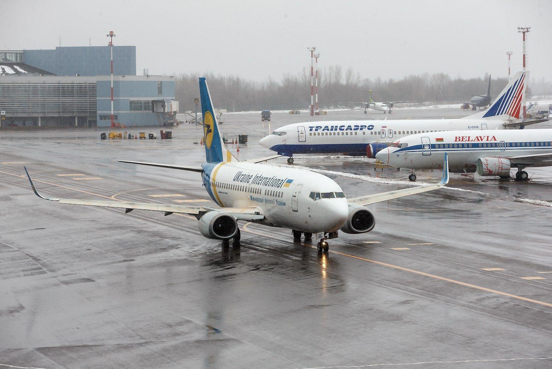 """Vilniaus oro uosto taką rekonstruos """"A.C.B."""" ir """"Autokaustos"""" konsorciumas"""