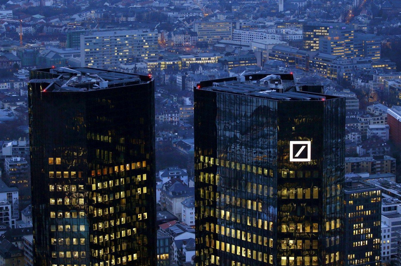 """Deutsche Bank"" už vaidmenį finansų krizėje gavo 7,2 mlrd. USD baudą"