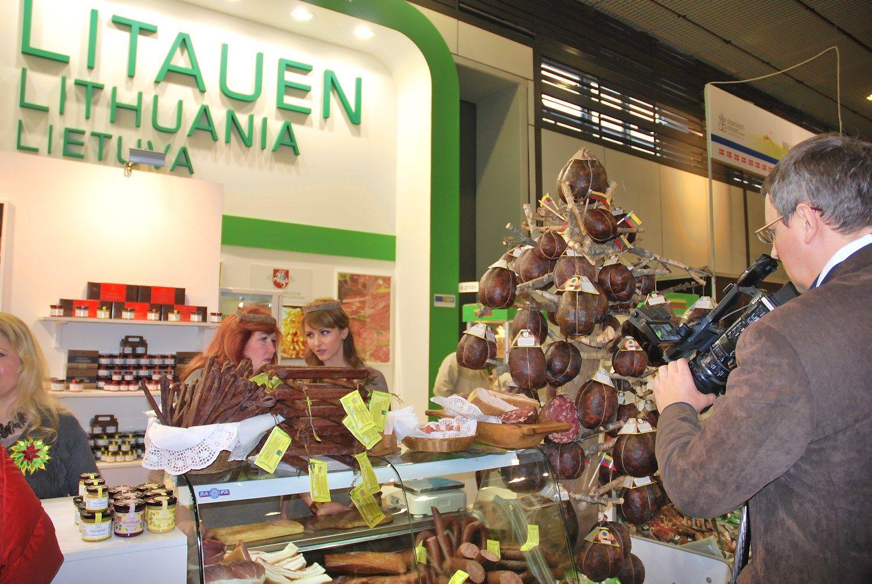 """""""Žaliojoje savaitėje"""" lietuviai ne tik raiko lašinius: čia ieškoma ir naujų rinkų eksportui"""