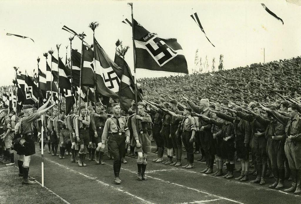 """""""Iliustruotoji istorija"""": Hitlerio jaunimas"""
