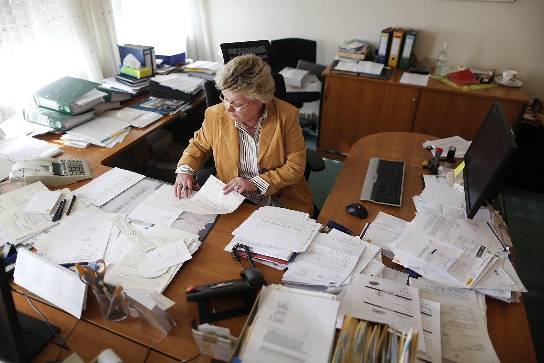 Vyresnio amžiaus darbuotojų ignoravimas kenkia verslui