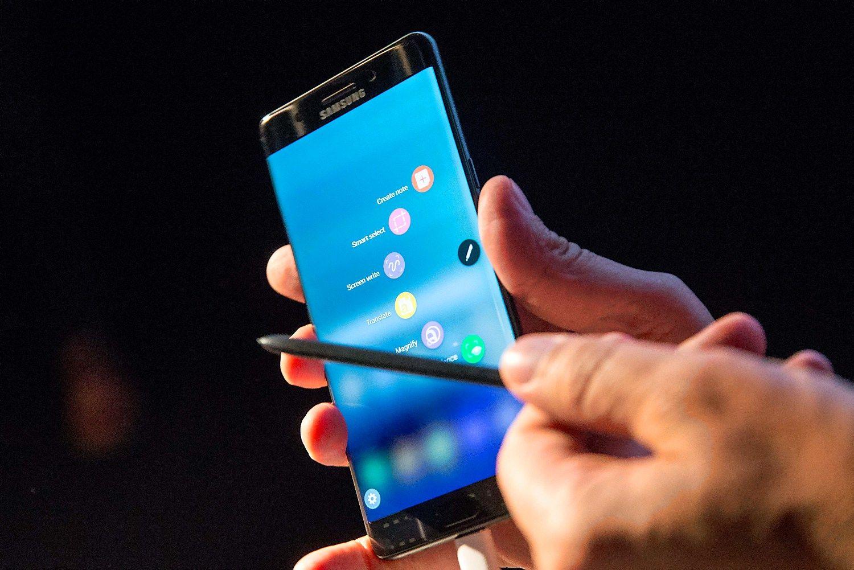 """""""Samsung"""": """"Note 7"""" sprogdavo dėltrumpo jungimobaterijose"""