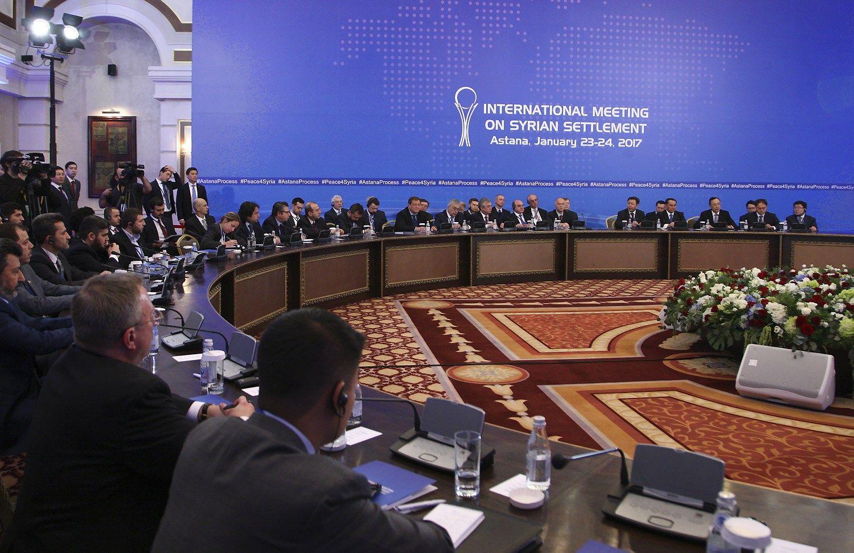 Astanos taikos derybos: menkas postūmis ir viltis ateičiai