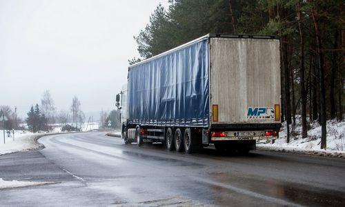 Kroviniai kiekiu pralenkė transporto priemones