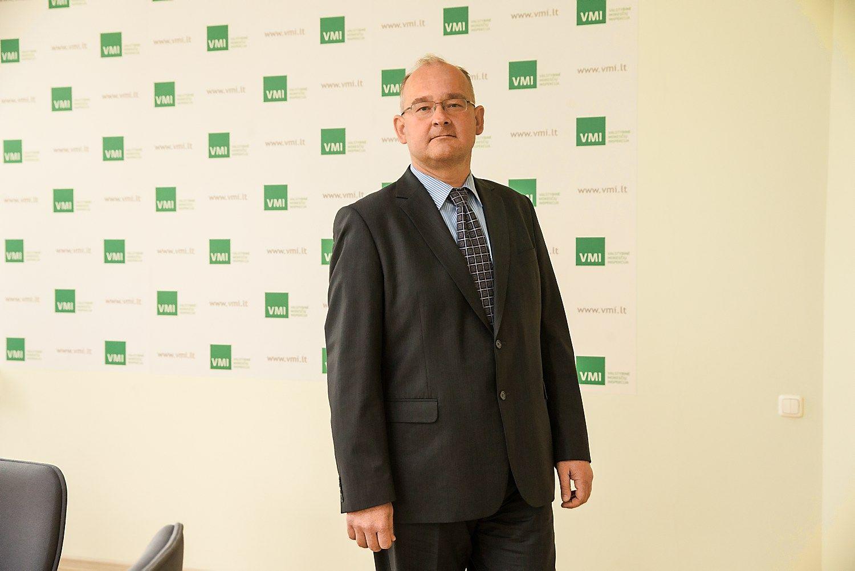 VMI pradėjo tyrimus dėl Seimo narių automobilių
