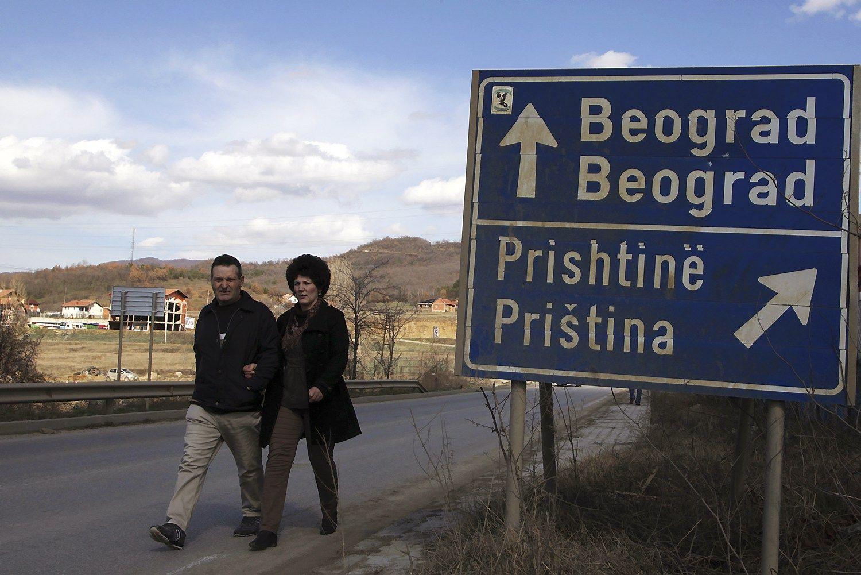 Vakarai mėgina malšinti naują krizę Balkanuose