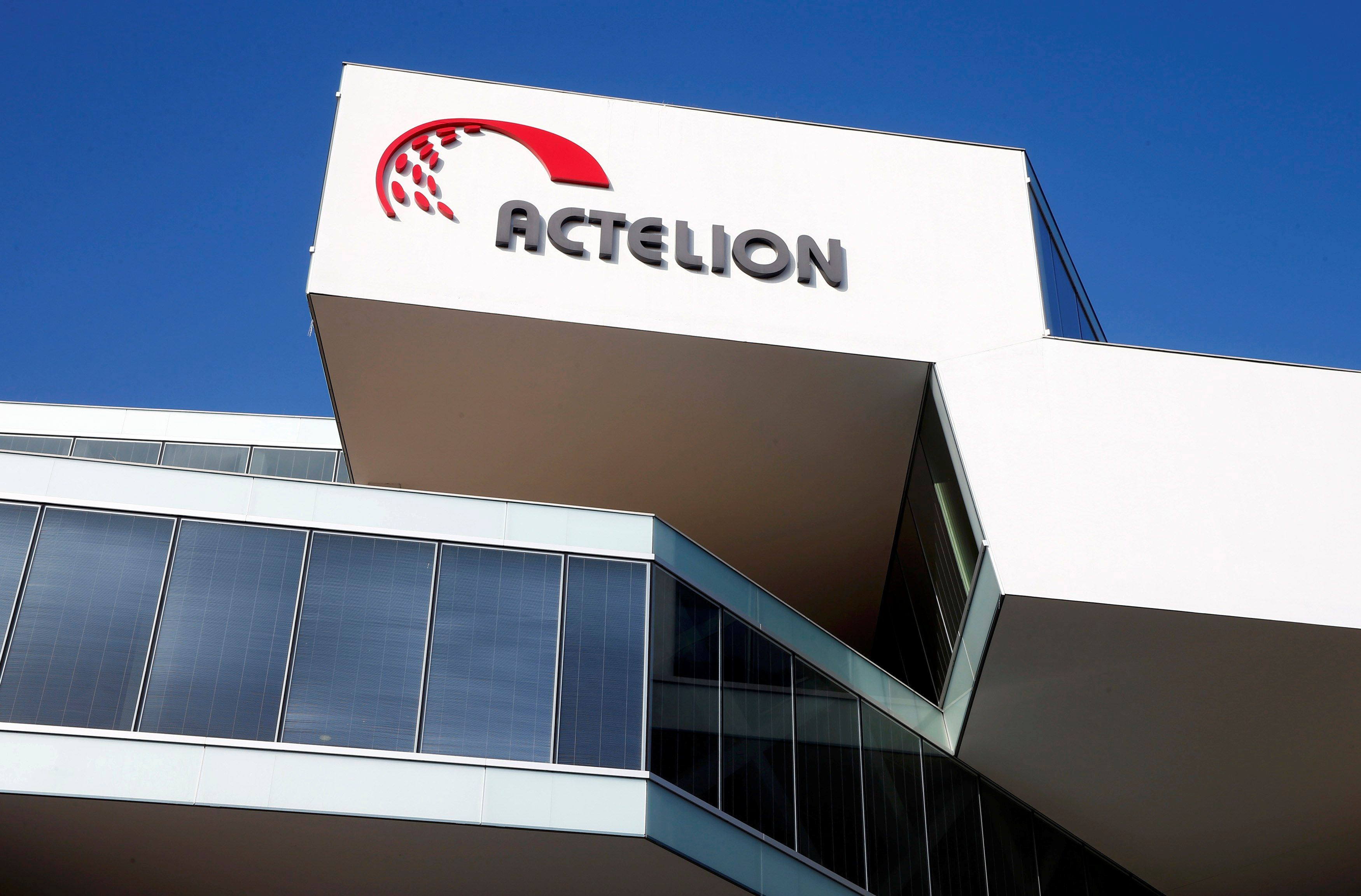 Hedge Funds Track J&J Private Jet for Edge on Actelion Score
