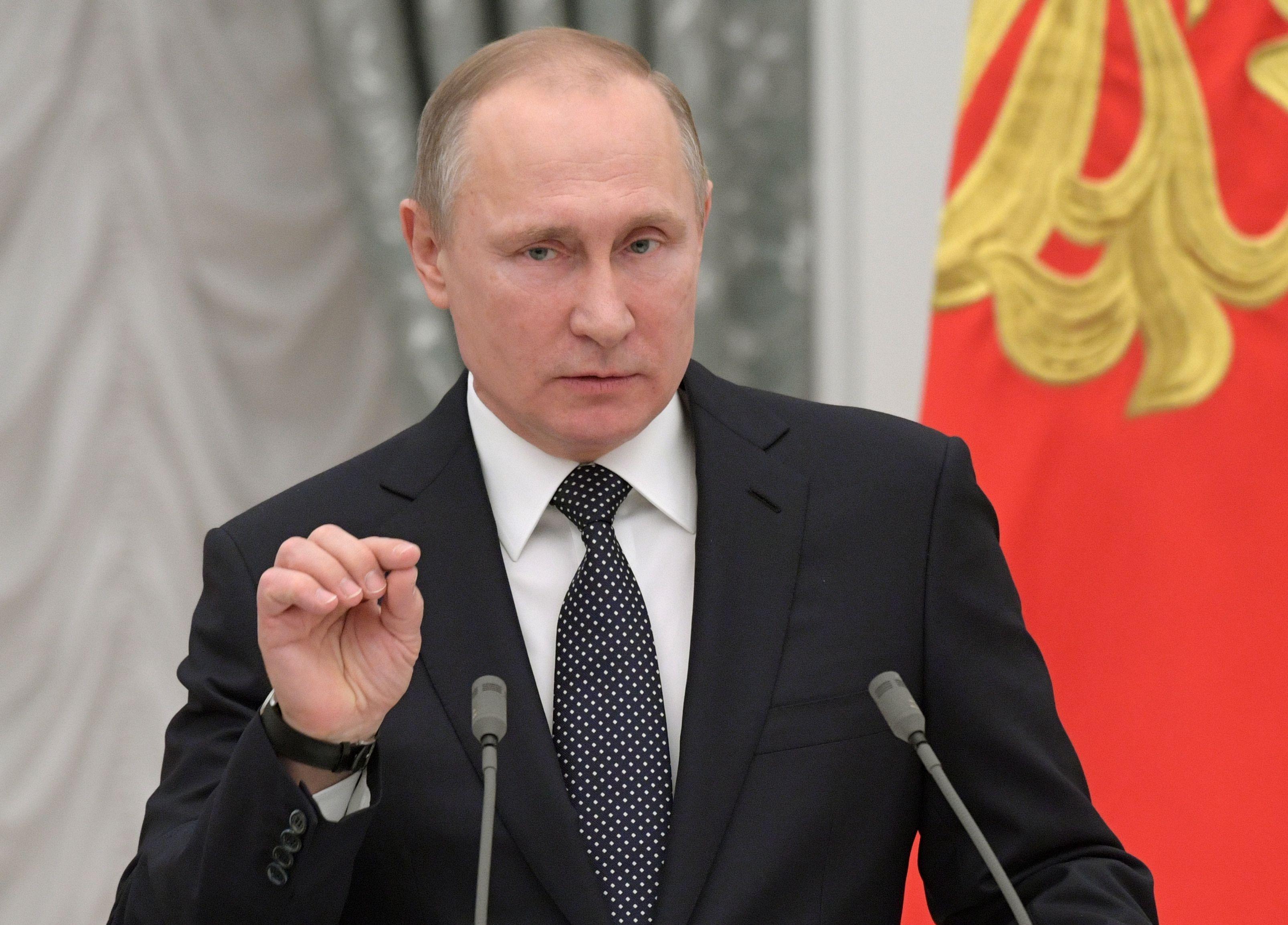 Putinas ir Trumpas gali susitikti dar iki liepos