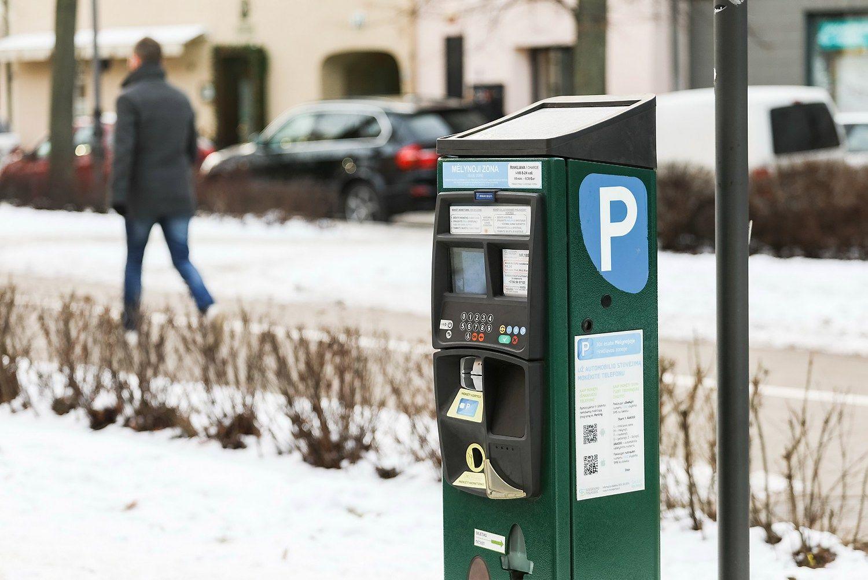 Vilniuje brangs automobilių stovėjimas