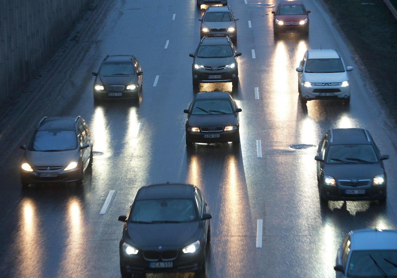 Automobilių rinka pučiasi – iki rekordo nebetoli