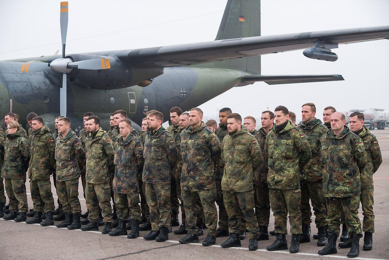 Į Lietuvą atvyko NATO bataliono kariai