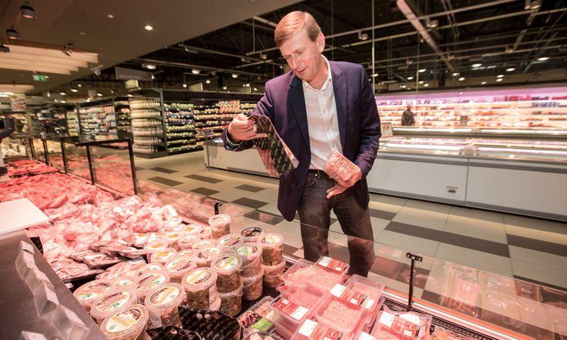 """Dainius Dundulis, """"Norfos mažmenos"""" valdybos pirmininkas, sako, kad automatinė greitai gendančių maisto produktų rūšiavimo linija leis sutrumpinti logistikos grandinę ir sumažinti darbuotojų poreikį sandėlyje. Juditos Grigelytės (VŽ) nuotr."""