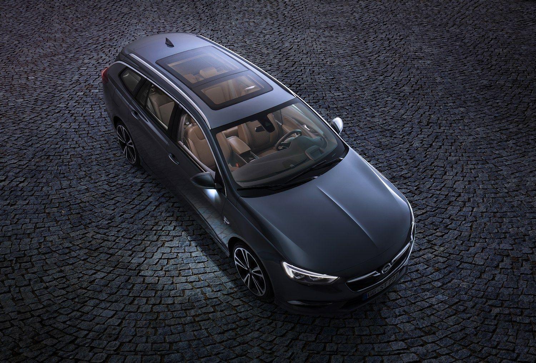 """""""Opel"""" išplatino pirmąsias """"Insignia"""" universalo nuotraukas"""