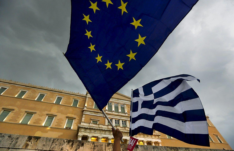 """Gąsdinanti TVF prognozė: Graikijos skolos """"sprogs"""""""