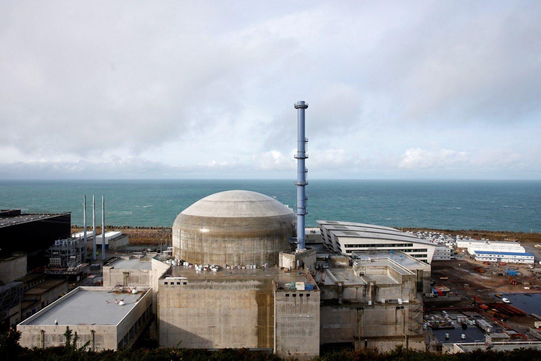 """Flamanvilio branduolinė jėgainė Prancūzijoje. Benoito Tessierio (""""Reuters"""" / """"Scanpix"""") nuotr."""
