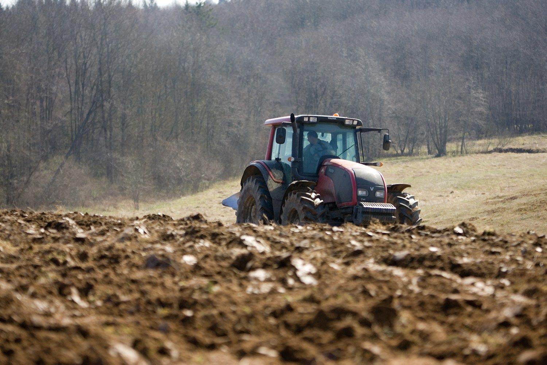 Lietuvos ir Latvijos ūkininkai pirko draudžiamus pesticidus