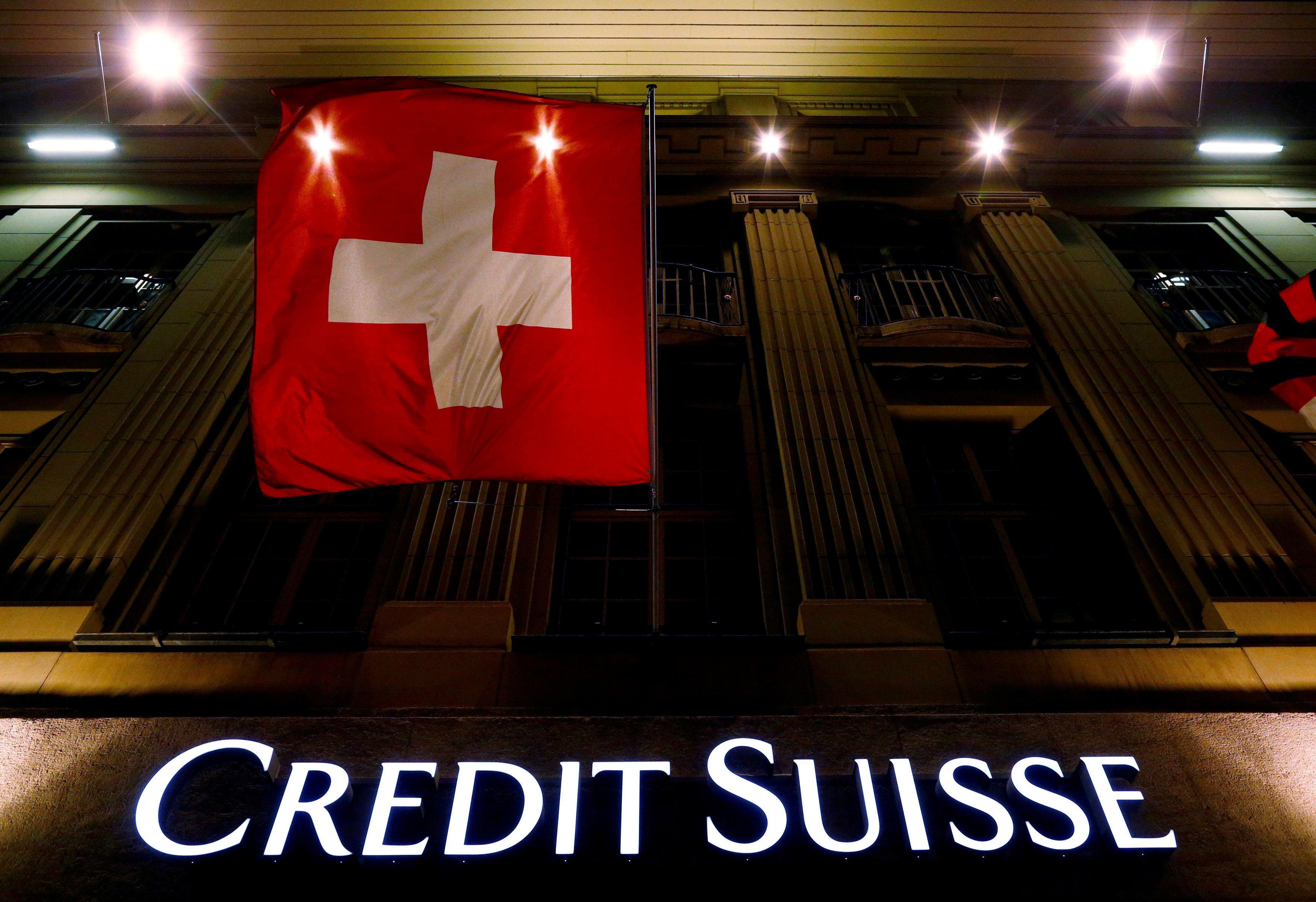 """Credit Suisse"" rezultatus klampina praeitos krizės aidai"