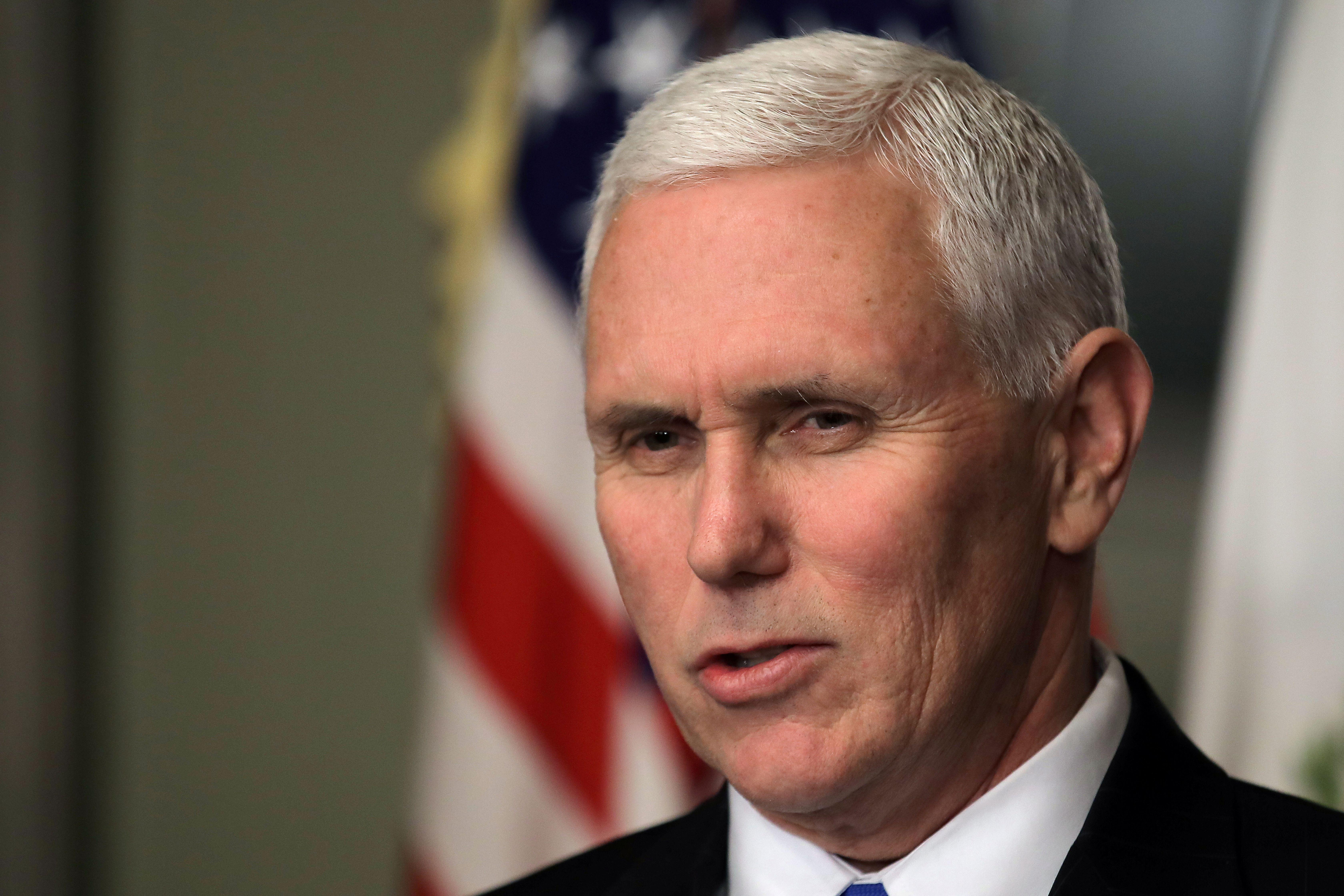JAV viceprezidentas atvažiuoja raminti Europos