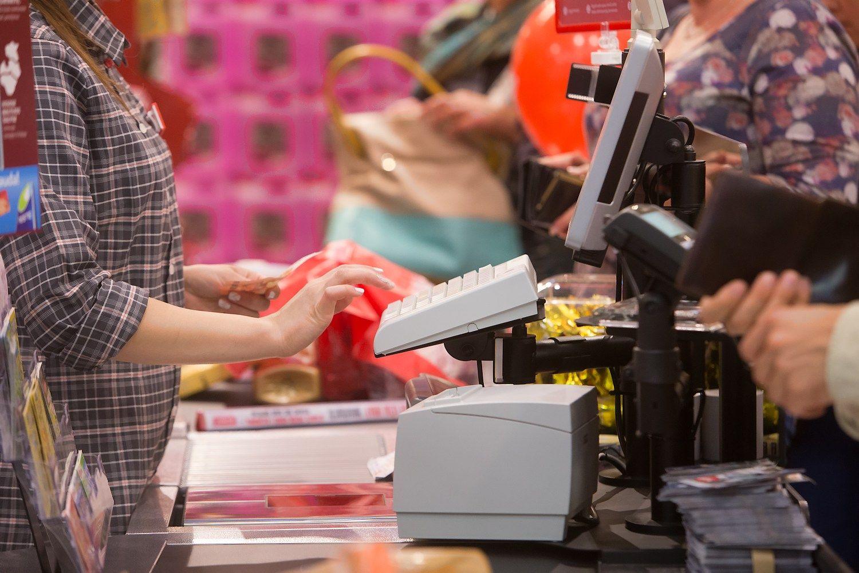 Mažmeninės prekybos apyvarta Latvijoje pernai augo 1,9%