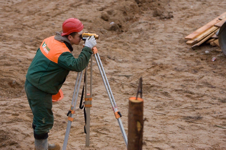 Teismas: NŽT darbuotoja padėjo pasisavinti žemės sklypą