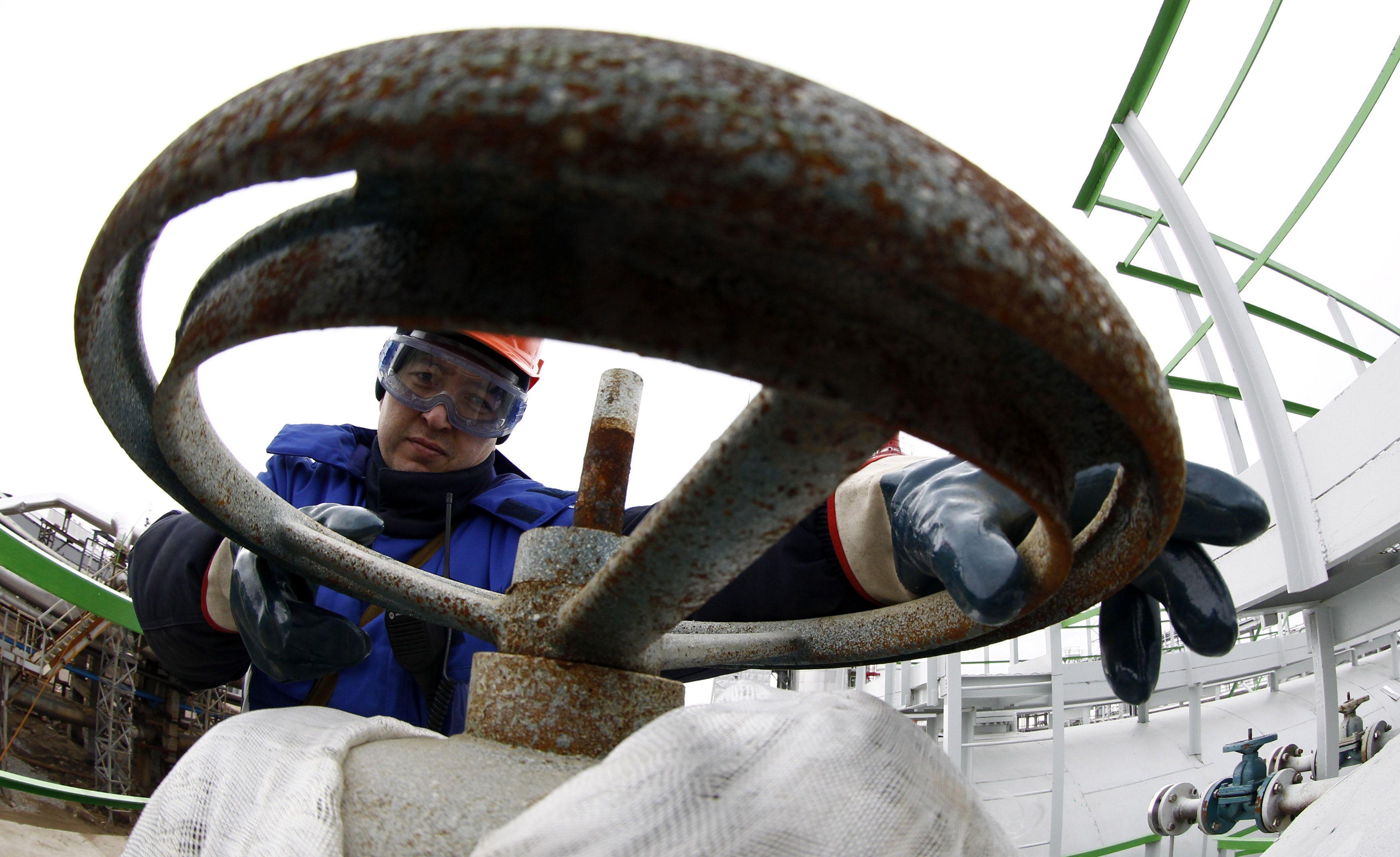 Rusija naftos išgauna daugiau nei Saudo Arabija
