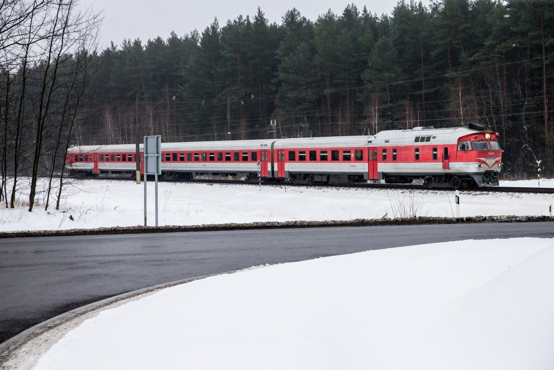 """""""Lietuvos geležinkeliai"""" sausį pervežė 6,3% daugiau keleivių"""