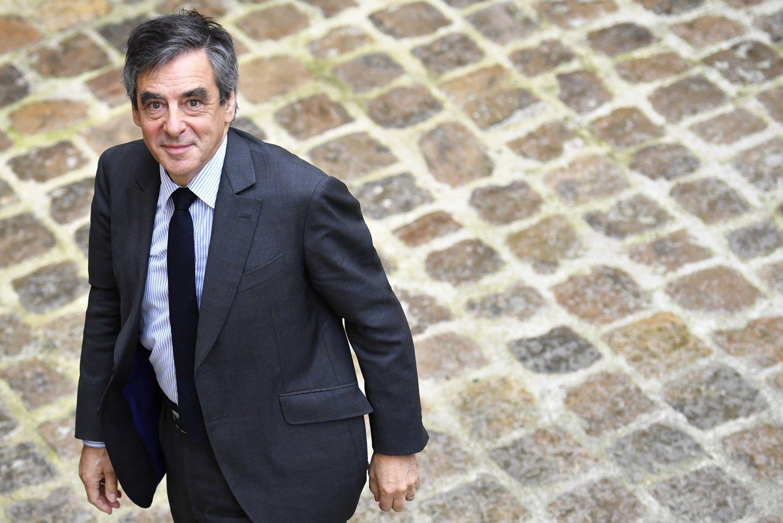 Filloną apklaus teisėsauga, tačiau jis nesitraukia iš rinkimų kovos