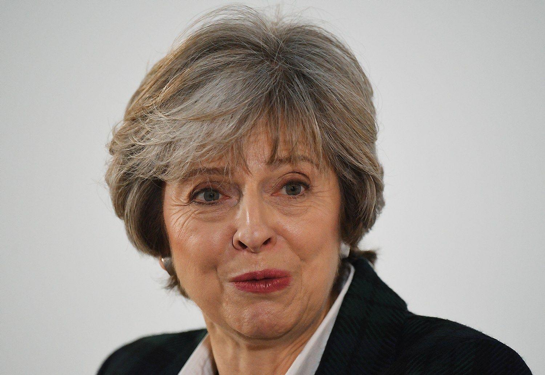 """Theresos May """"Brexit"""" planui – pirmasis smūgis iš parlamento"""